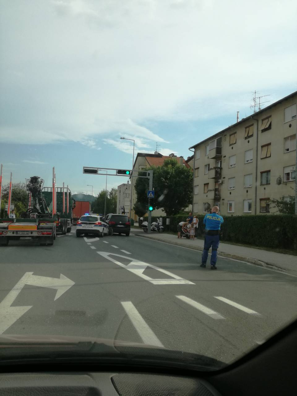 Sudar blizu Varaždina između policijskog i privatnog auta...