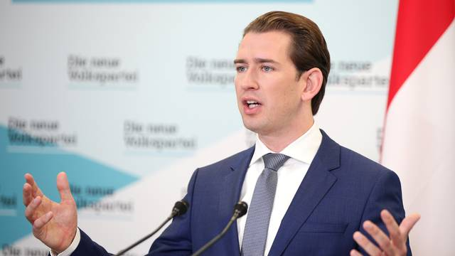 Head of Peoples Party (OeVP) Sebastian Kurz addresses a news conference in Vienna