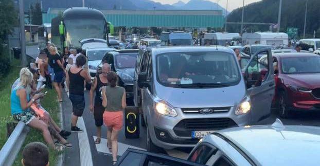 Veleposlanik o kilometarskim gužvama u Austriji: Poslat ćemo im notu, ako  bude potrebno