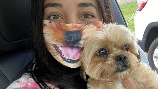 Novi trend: Naručuju maske za lice s fotkama svojih ljubimaca