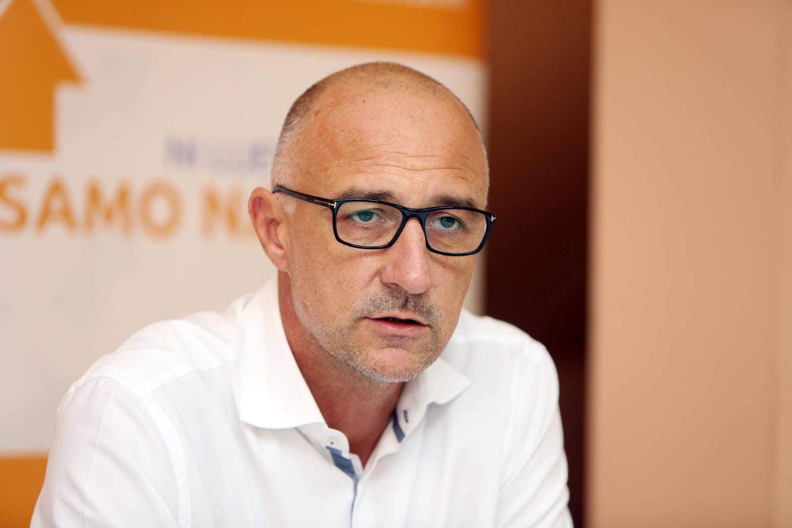 Karlovac: Konferencija za medije Hrvatske narodne stranke – liberalnih demokrata