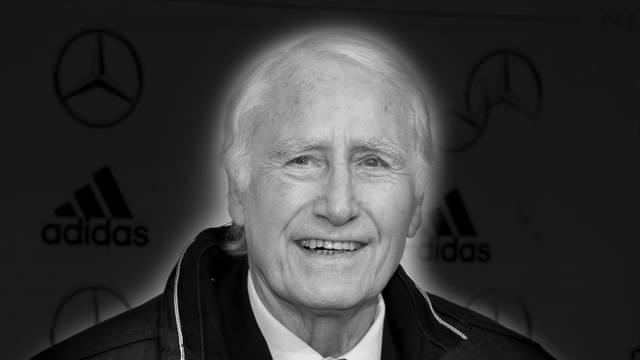Goalkeeping legend Hans TILKOWSKI died at the age of 84.