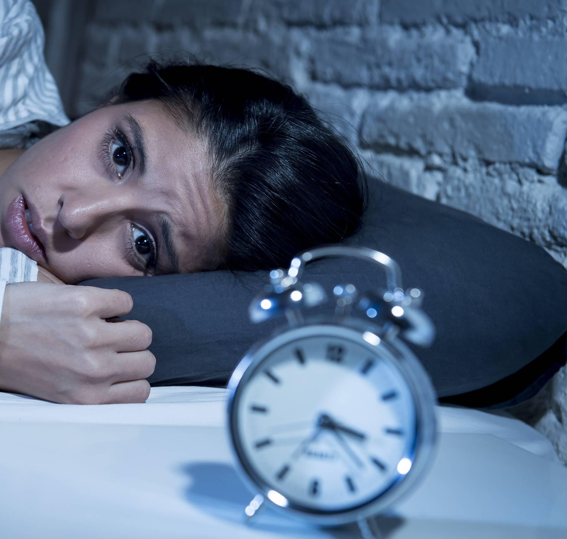 Previše razmišljate i zato ne možete zaspati? Evo što učiniti