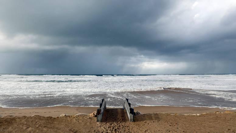 Mjesec dana bili su izgubljeni na moru, opazio ih  jedan ribar: 'Bio je to lijep predah'