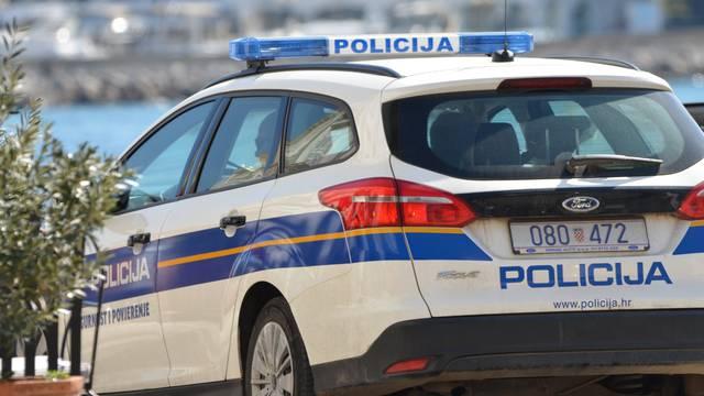 Lopov pokušao ukrasti torbicu ženi (78), nije je htjela pustiti: Slomio joj je ruku na tri mjesta