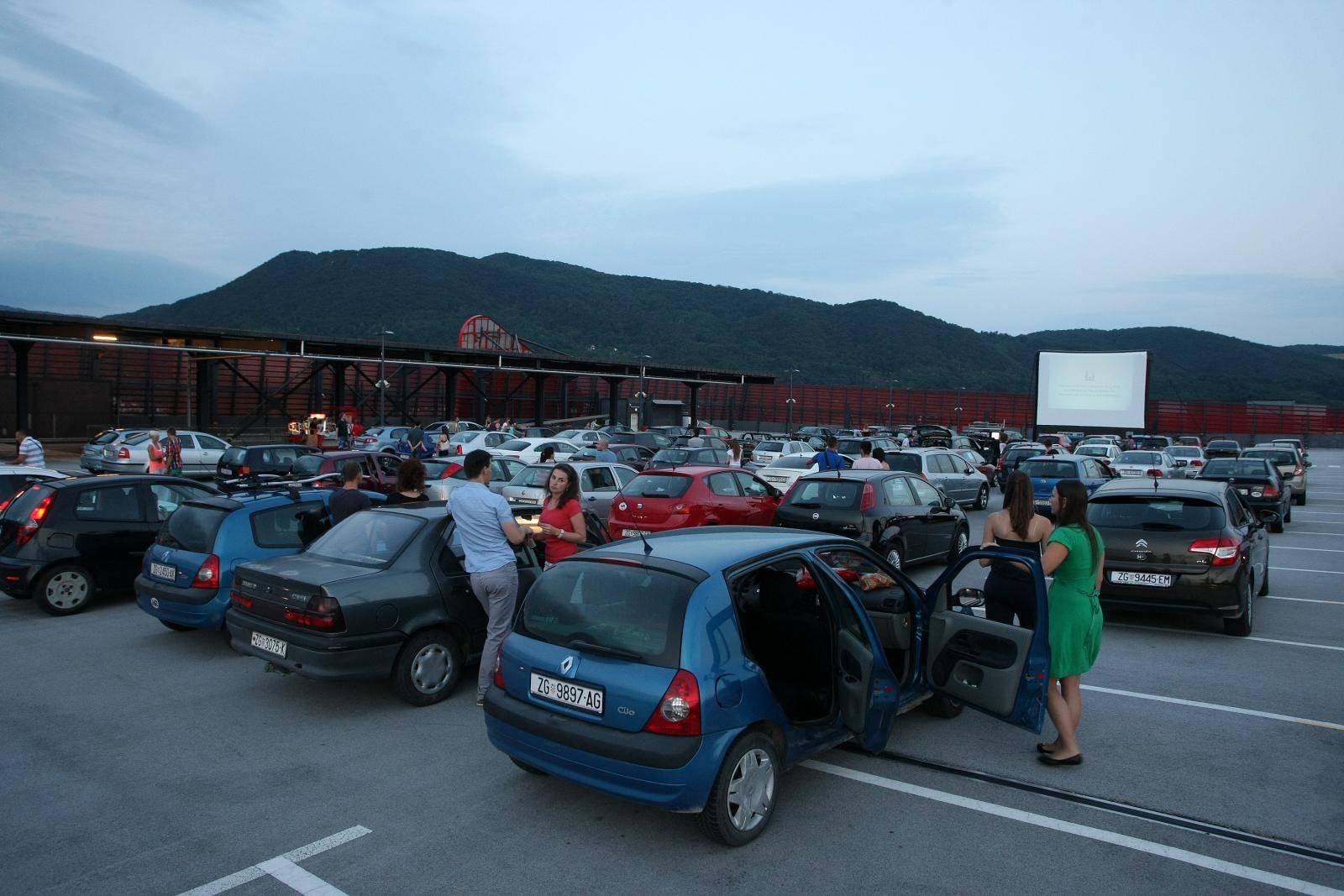 Vjetar odgodio prvi film Drive In Kina: 'Ostalo će ići po planu'