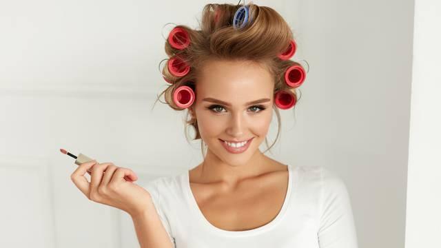 Zaboravite na figaro: Prirodno nakovrčajte kosu na ove načine