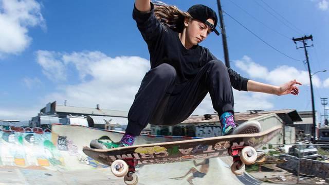 Čudo od skejterice: Minnu Stess (14) ne zaustavljaju bol i ozljede
