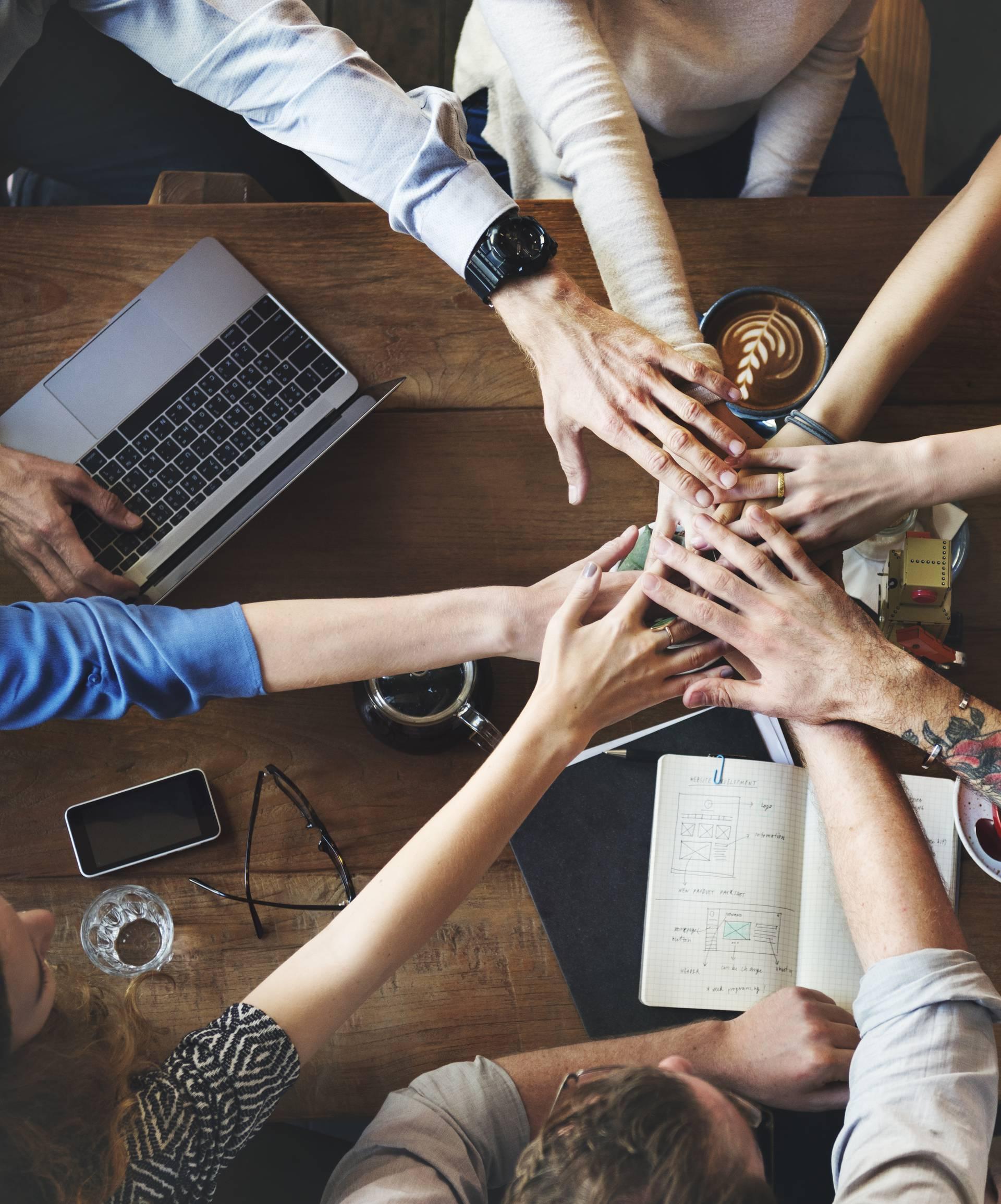 Mlađi zaposlenici: 'Psovanje jača tim' - stručnjaci se slažu