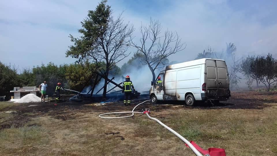 U prikolici im eksplodirala boca plina: Umalo se zapalila šuma