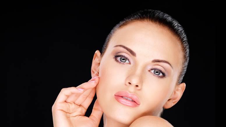 Tako to rade Francuskinje: 3 ključna koraka u čišćenju kože
