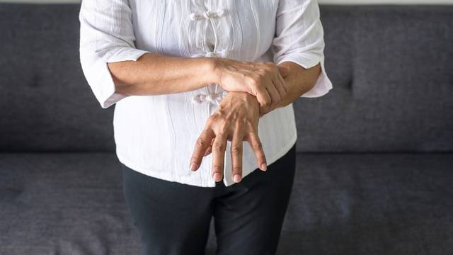 Implantat u mozgu regulirat će simptome Parkinsonove bolesti