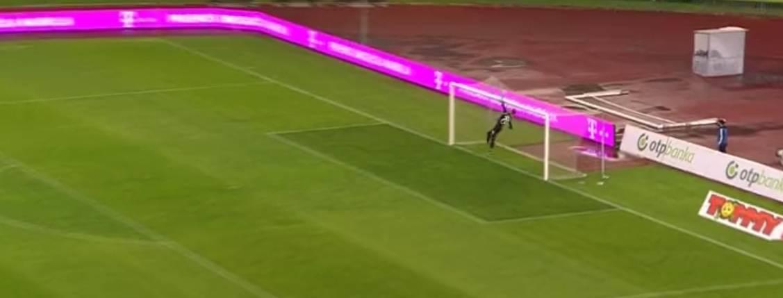Igrač Intera skoro zabio gol s centra, Posavec završio u mreži