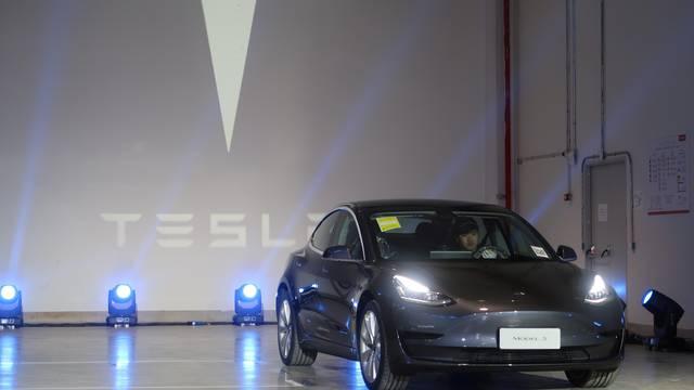 Tesla traži dozvolu za prodaju sigurnosnog uređaja za aute