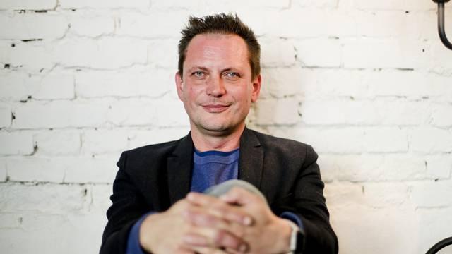 Oštar Matanić: Influenceri su za katran, perje i izgon iz grada; Pratitelji: Pusti djecu na miru