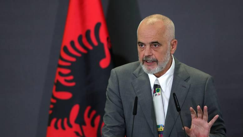 Albanija po prvi put izglasala vladu u kojoj većinu čine žene