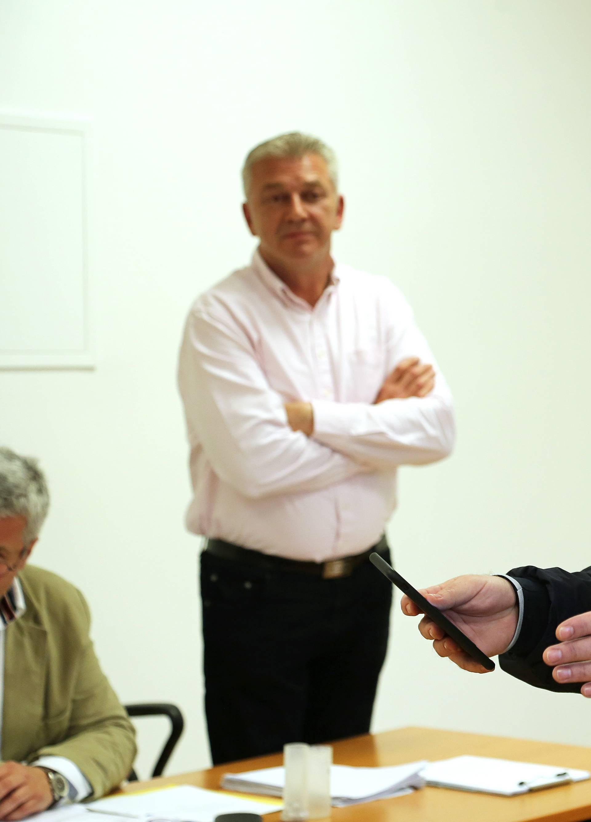Portal NewsBar mora Bujancu platiti 12.000 kuna zbog satire