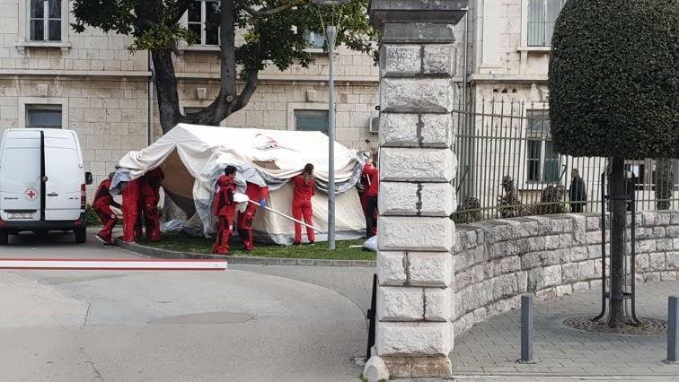 Zadar zatvara sve restorane i kafiće, dućani rade do 18 sati