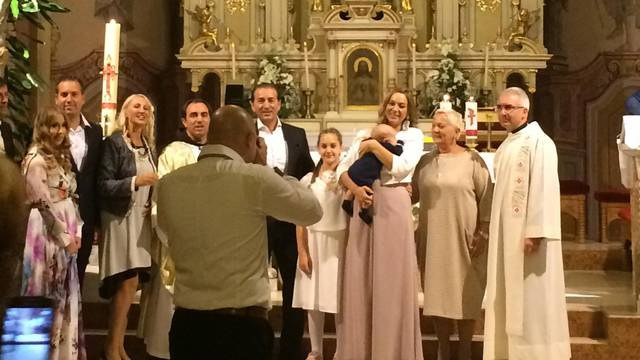 Gotovac je plakao na krštenju Simonina sina Joshue Marije