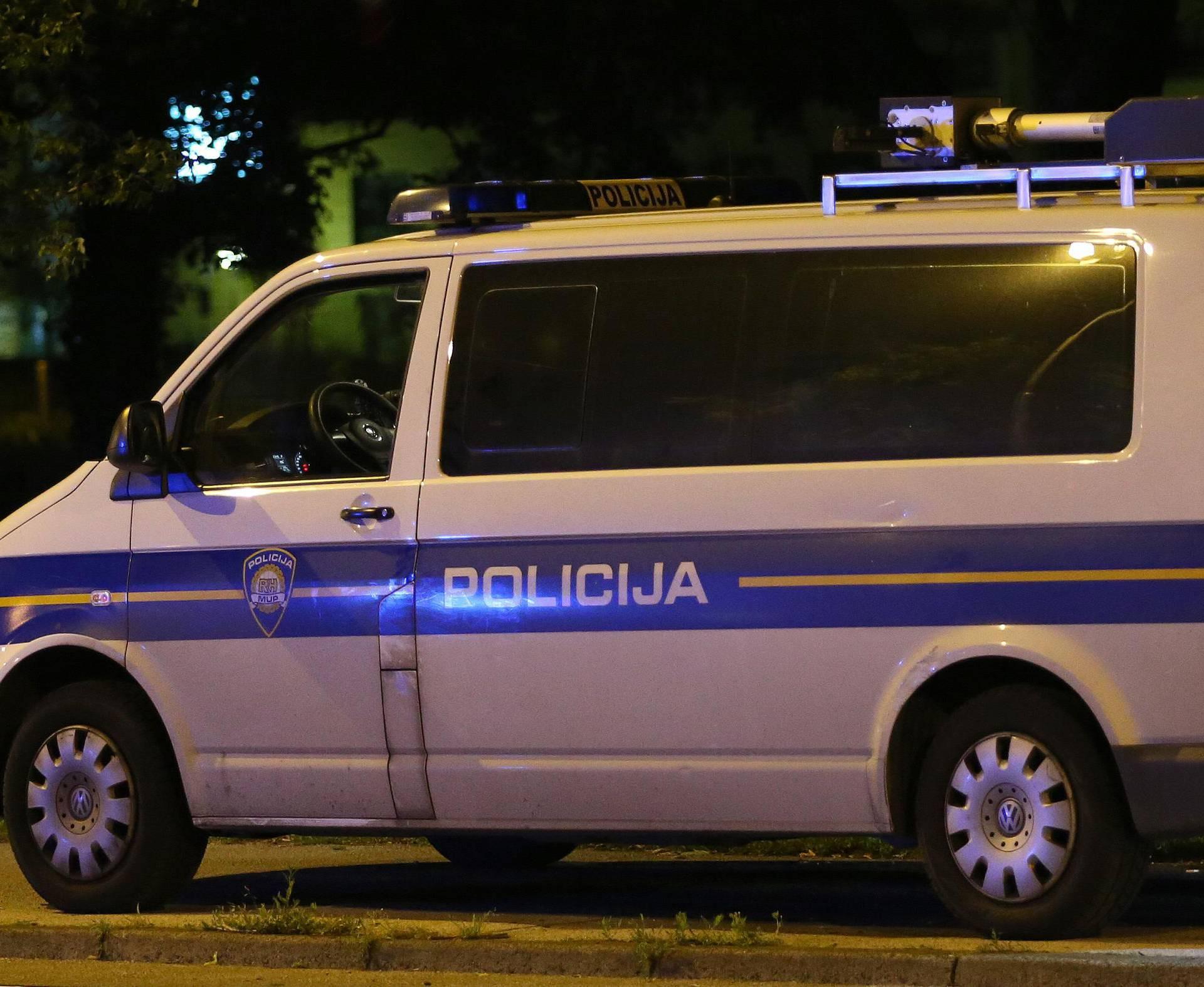 Velika akcija policije: Uvozili su aute iz Njemačke i utajili porez