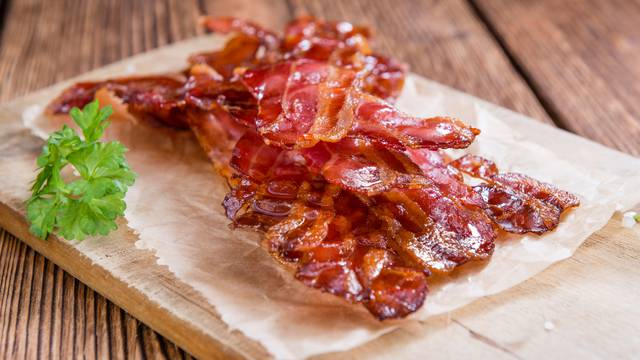 Za savršeno ispečenu slaninu - treba dobra tava i malo tehnike
