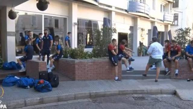 Gibraltarska farsa: Ljudi, što vam je, pa opet vam je osam igrača zaraženo korona virusom