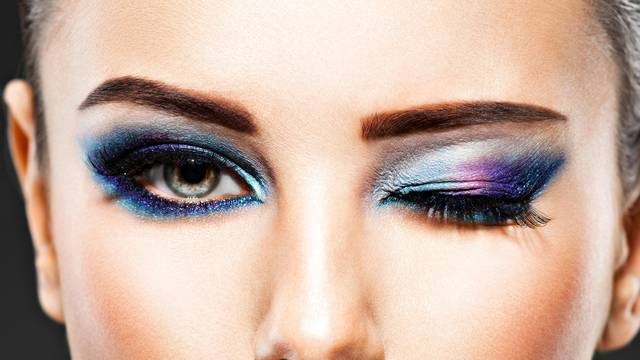 Maskara vizualno povećava oko, dok tuš daje sjaj i svjetlinu