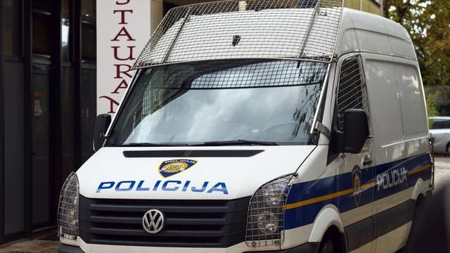 Zadar: Privođenje osumnjičenog za krijumčarenje oružja