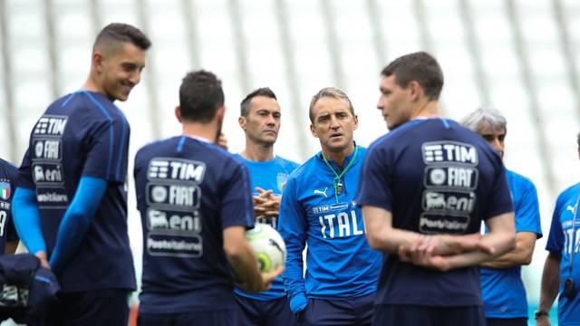 Italy Training and Press Conference Ð Juventus Stadium