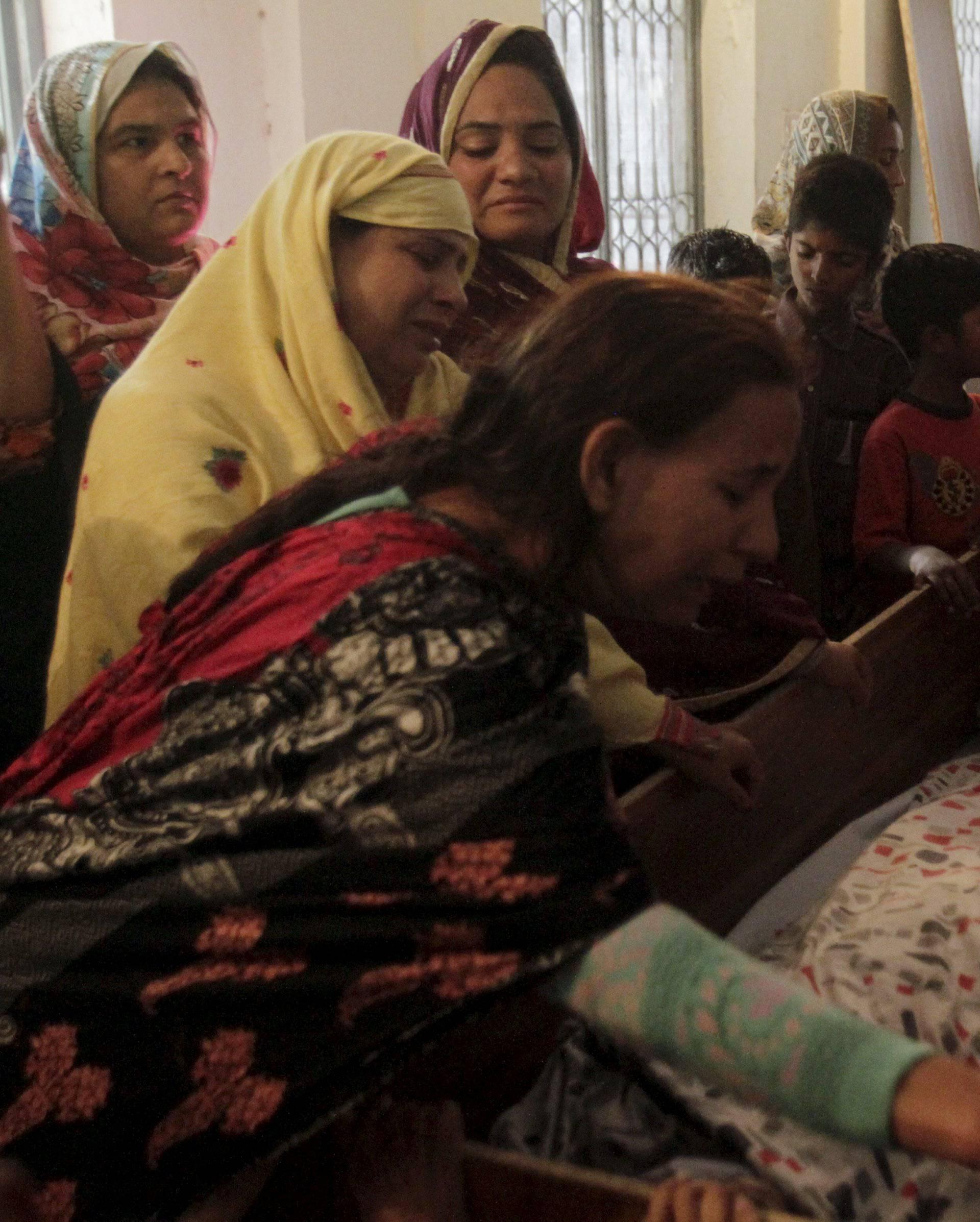 Vojska uhitila 50 militanata, a obitelji oplakuju ubijenu djecu