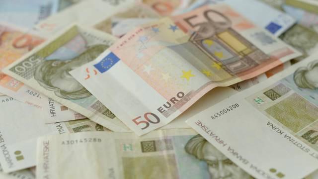 Što donosi euro? Krediti će biti jeftiniji, a nekretnine - skuplje