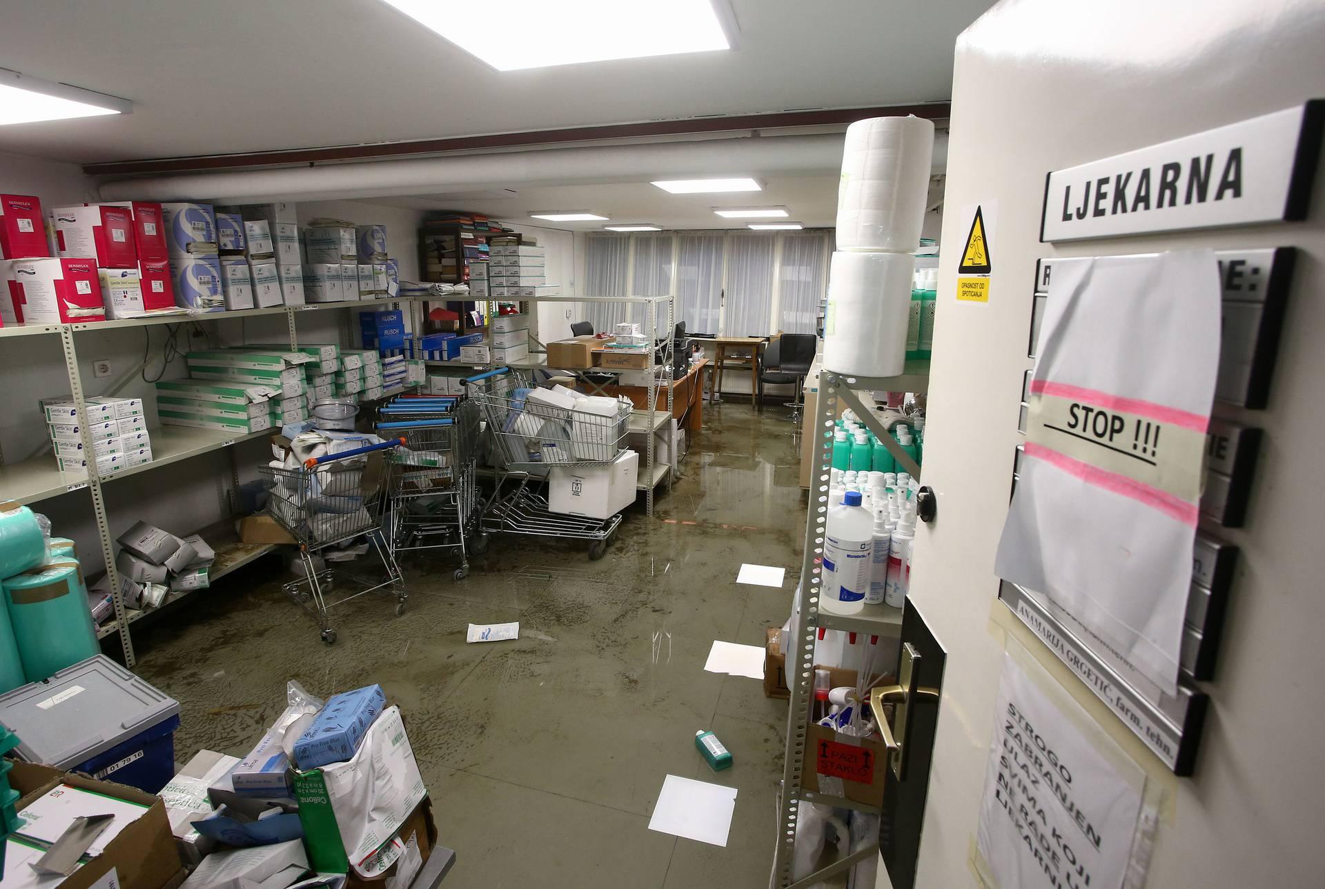 'U poplavi su uništeni posebno skupi lijekovi, infuzije i maske'