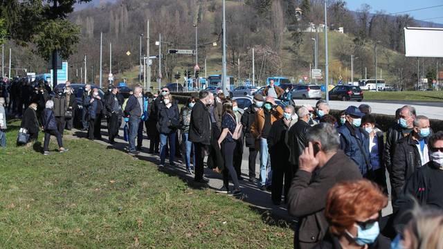 Zagreb: HZJZ će na puktu na Mihaljevcu procijepiti od 600 do 900 starijih osoba