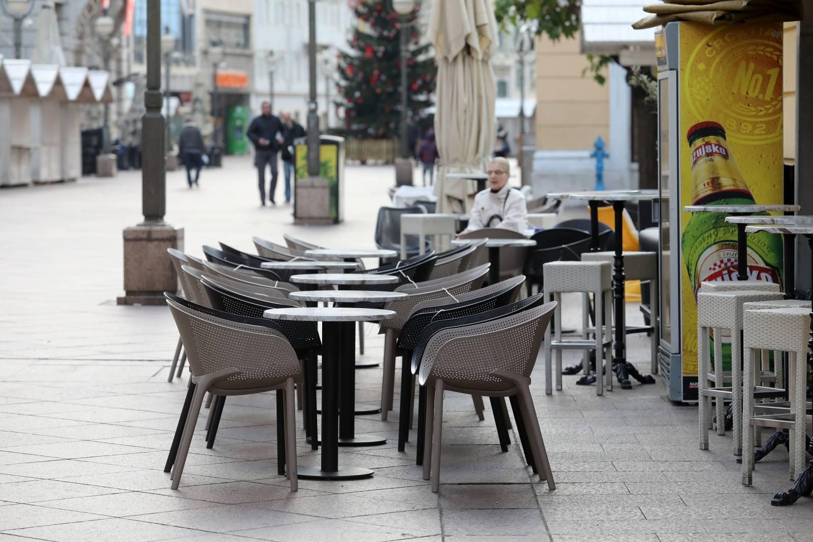 Rijeka: Zatvoreni ugostiteljski objekti u centru grada