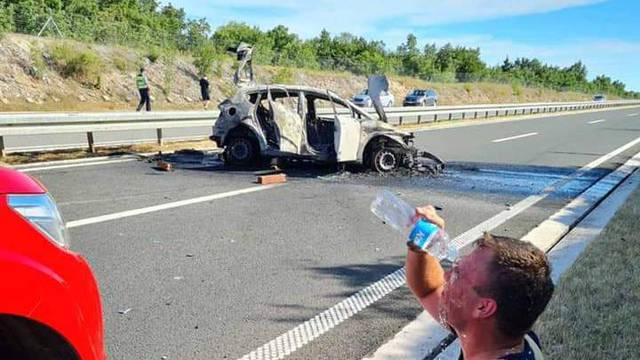Na Istarskom ipsilonu zapalio se auto: Sumnjaju na tehnički kvar