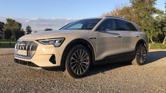 Snažan, brz i impresivan, nije čudo da je novi Audi e-tron hit