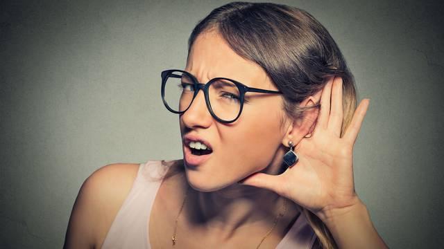 Tiho, tiše: Sluh nam uništavaju zvonjava telefona i zvuk sirene