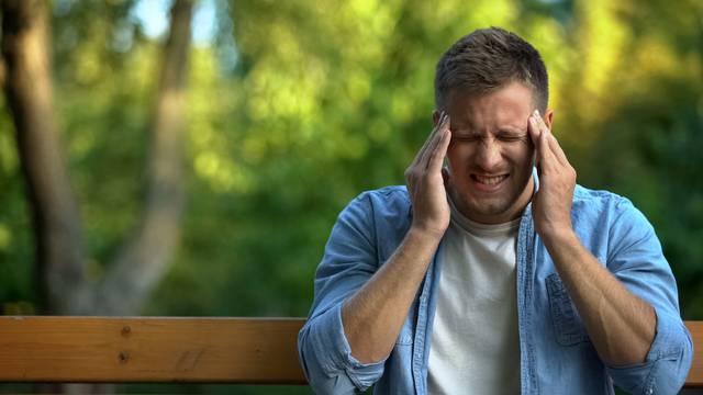 Oprez, analgetici mogu povećati bol, kao i učestalost glavobolja
