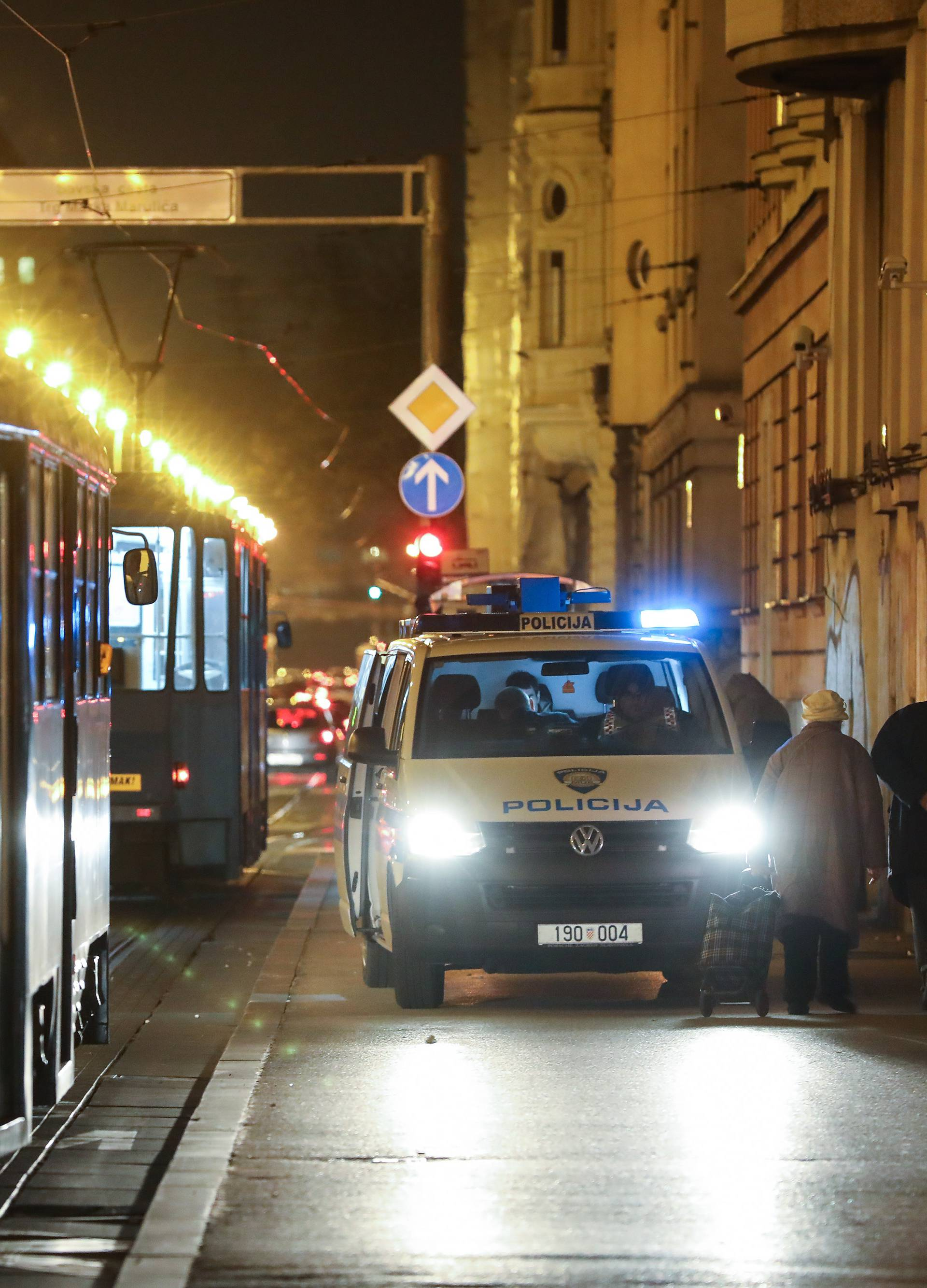 Zagreb: Očevid prometne nesreće u Mihanovićevoj ulici