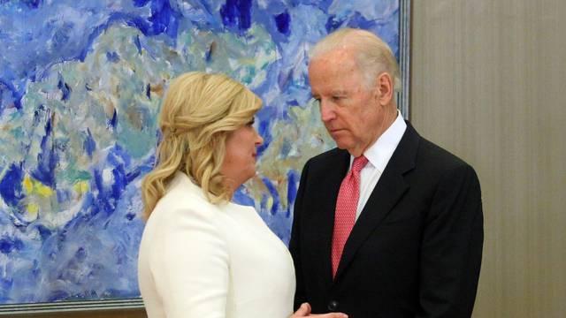 'Pišem čestitku Bidenu. Nemam tajnicu pa će duže trajati...'
