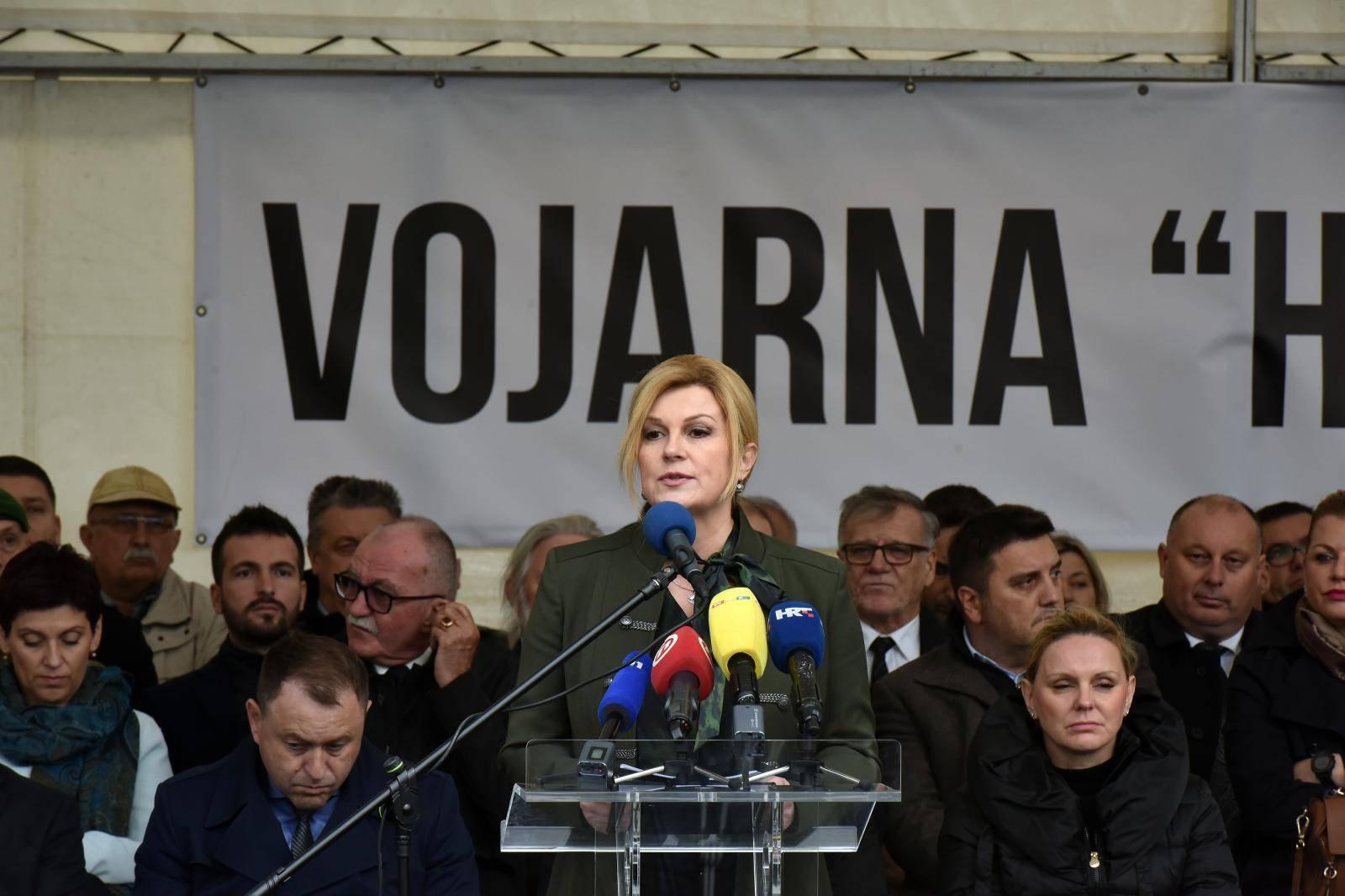 """Na bivšem vojnom aerodromu u Valturi svečano otvorena vojarna """"Hrvatski branitelji Istre"""""""