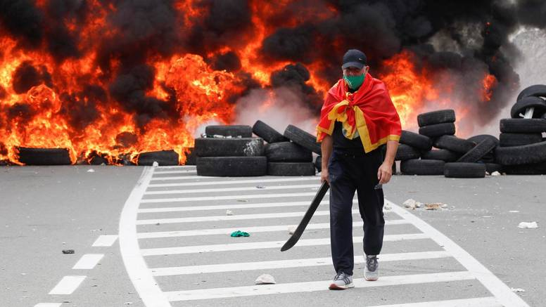 Crna Gora na rubu građanskog rata: 'Terorizam, neće to moći'
