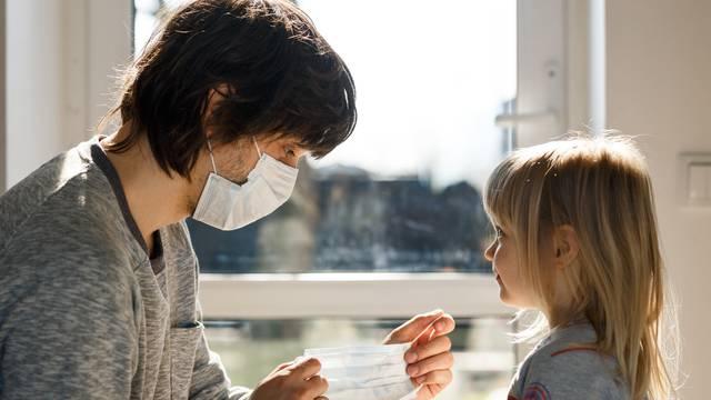 Maska za lice može utjecati na zdravlje usta - evo što pomaže