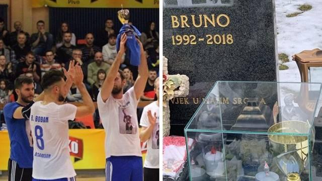 Osvojili pehar pa ga odnijeli na grob preminulom Bruni Bobanu