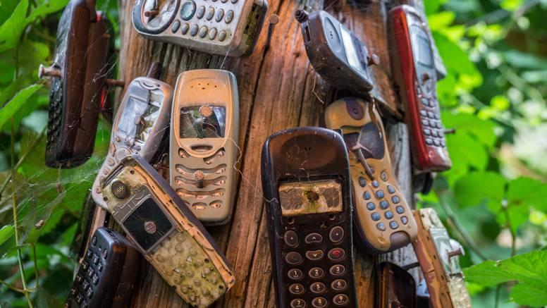 Uskoro će otvoriti online muzej starih vrsta mobitela: 'Skupljam telefone više od 25 godina'
