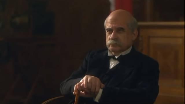 'On provodi tiraniju, neugodan je i mrzovoljan stari divljak...'