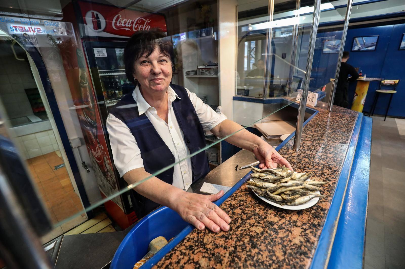 Manda i Ankica: Lignje i ribice kod Mimice pržimo 40 godina