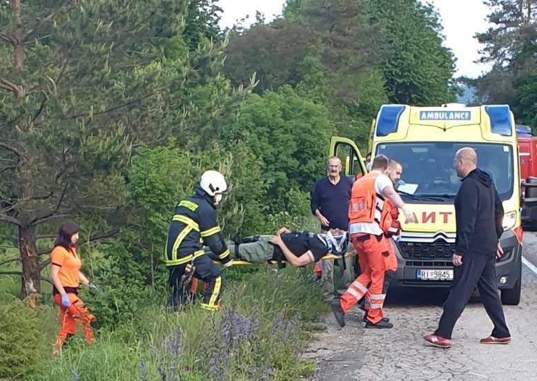 Vele Mune: Vozač, žena i dijete ozlijeđeni u prometnoj nesreći