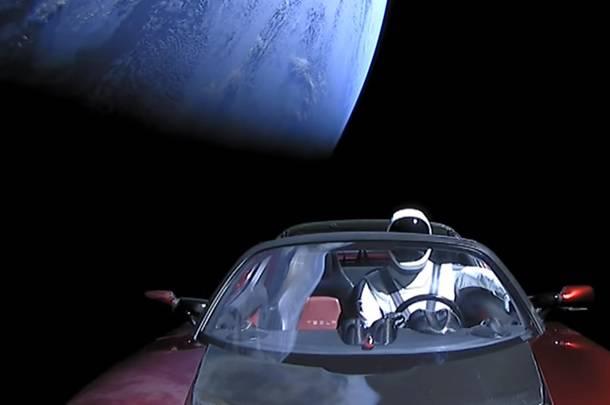 Tesla nije prvi, automobili su u svemiru već skoro pola stoljeća