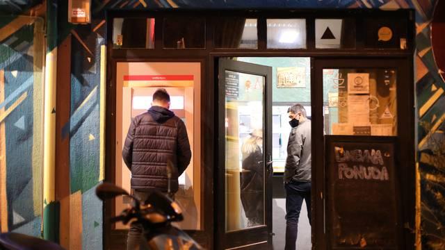 Split: U Vukovarskoj ulici zaposlenik fast fooda uboden škarama u vrat, počinitelj uhićen